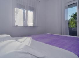 Apartments Edita, hotel near Zadar Bus station, Zadar