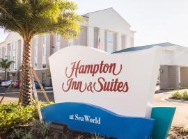 Hampton Inn & Suites Orlando near SeaWorld, hotel perto de Discovery Cove do SeaWorld, Orlando