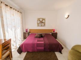 Guesthouse A Lareira, hotel in Aljezur