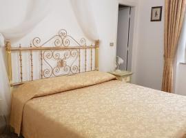 Albergo Tre Donzelle, отель в Сиене