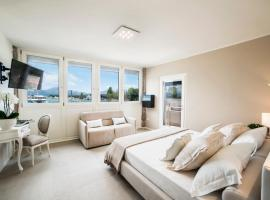 Riviera Carducci Rooms, guest house in Peschiera del Garda
