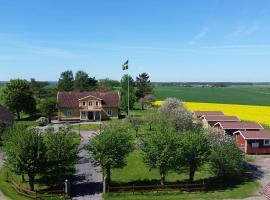 Mellomgården, farm stay in Norra Lundby