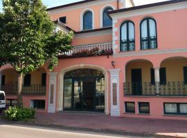 Residence Marina Palace, apartment in Orosei