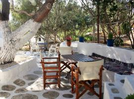 Meltemi Studios and Apartments, hotel in Logaras