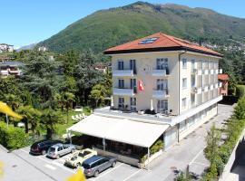 Hotel Luna Garni, отель в Асконе