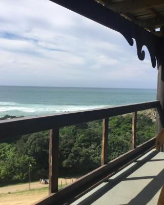 CORAM DEO SaltyWaves double en-suite rooms with sea views
