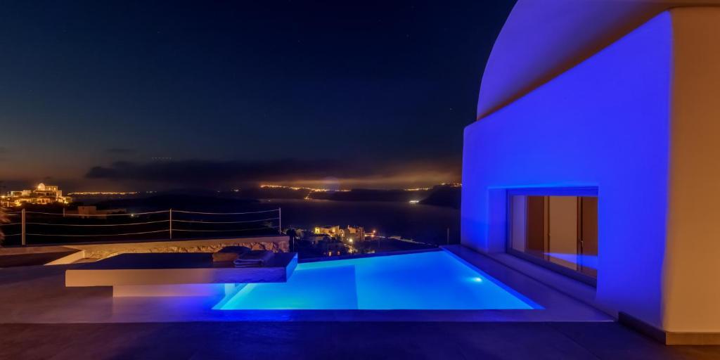 Piscina di Earino Suites and Villa o nelle vicinanze