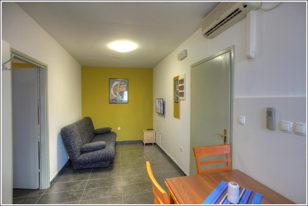 A seating area at Bokun Apartments II