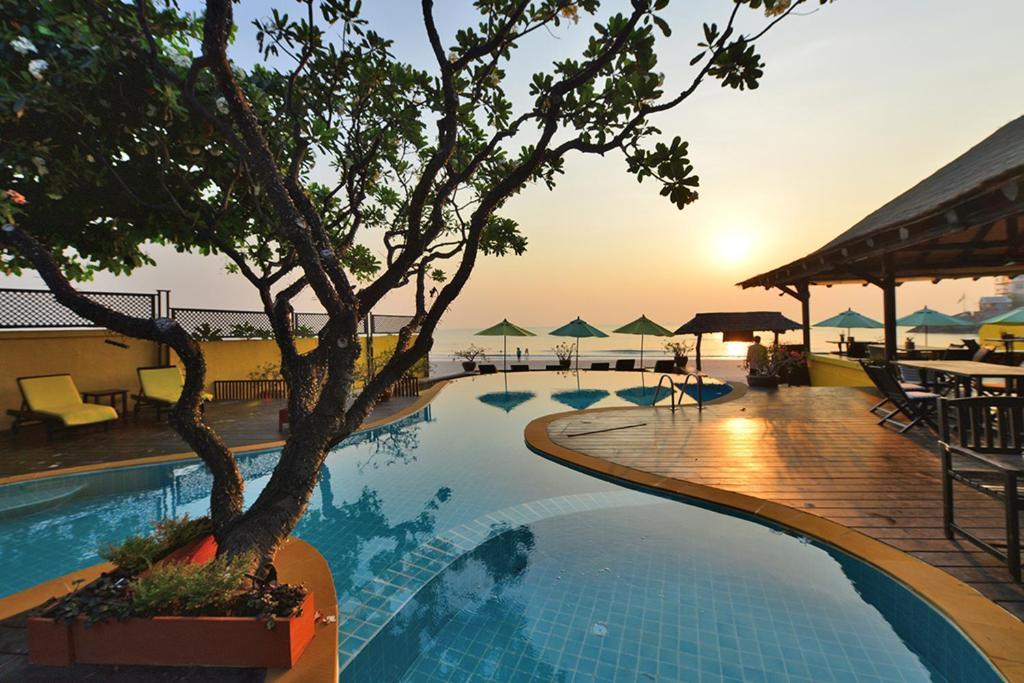 The swimming pool at or near Supatra Hua Hin Resort