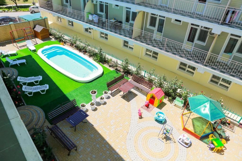 Вид на бассейн в Hotel Love Story или окрестностях