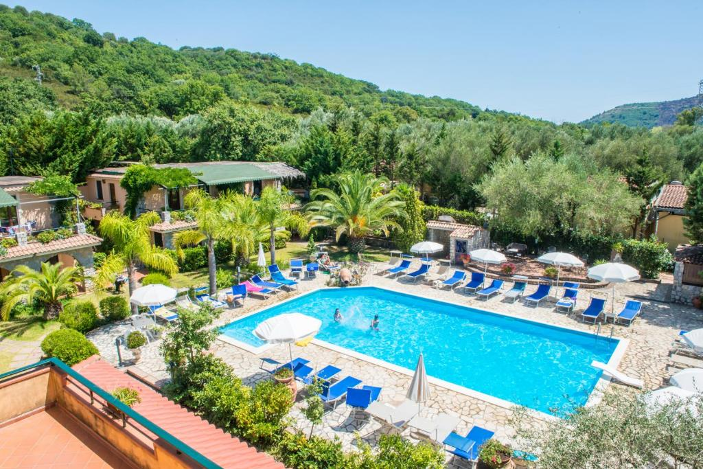A view of the pool at Residence e B&B Villamirella or nearby