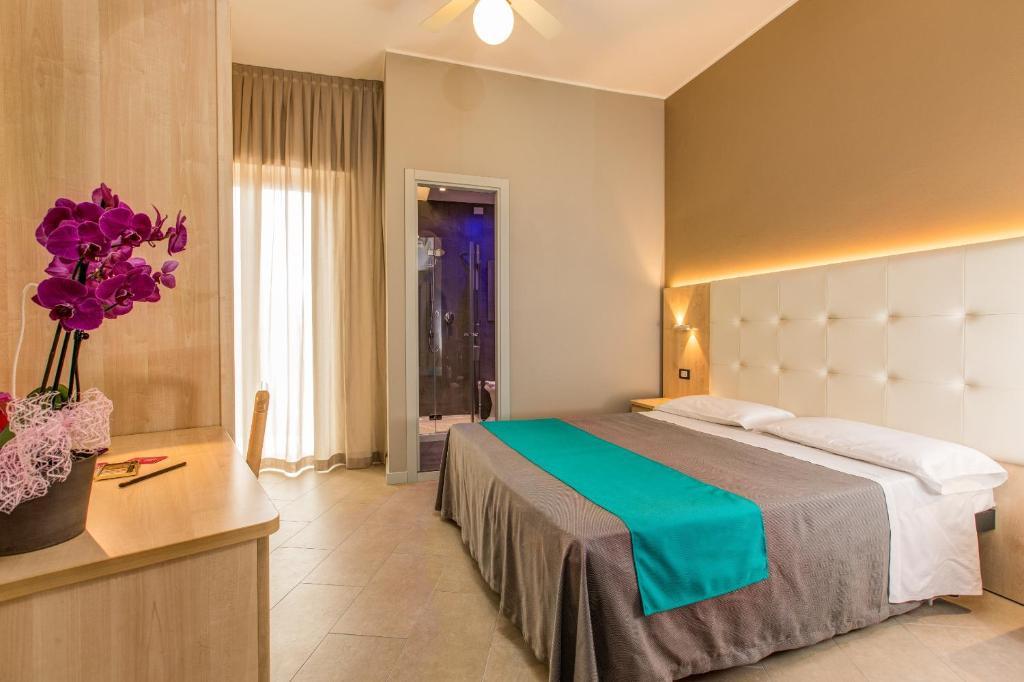 Hotel Romantico Gabicce Mare, Italy