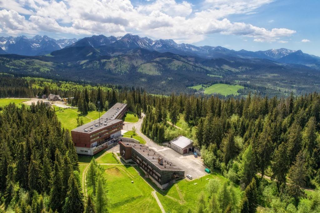 A bird's-eye view of Zespół Tatry - Hotel Tatry i Budynek Turystyczny