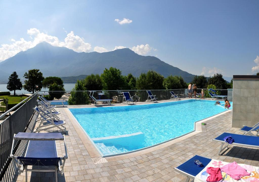 Het zwembad bij of vlak bij Camping Villaggio Paradiso
