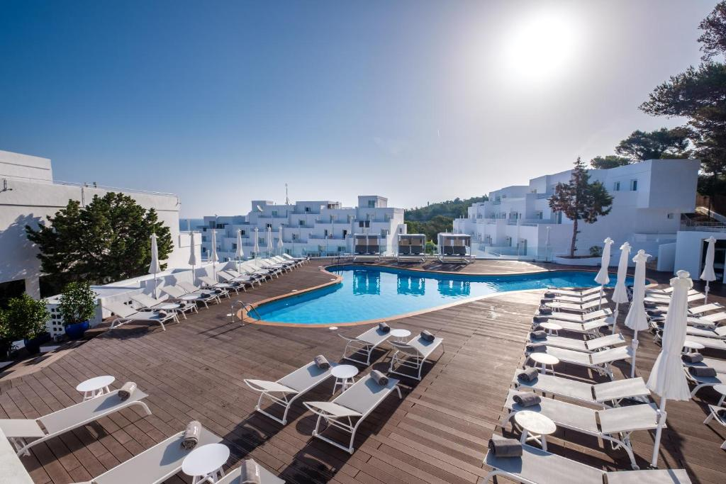The swimming pool at or close to Barceló Portinatx - Adults Only