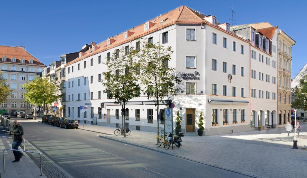 Hotel Blauer Bock - Laterooms