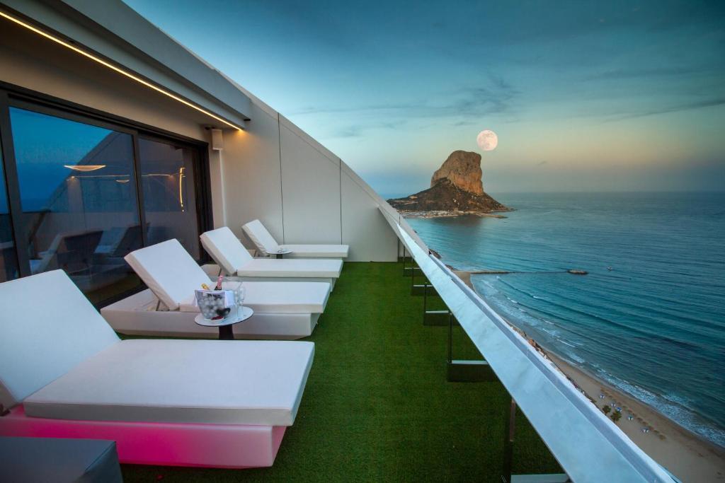 Suitopía - Sol y Mar Suites Hotel