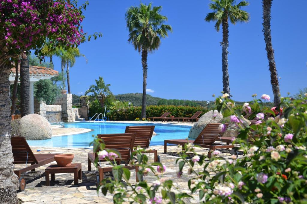 The swimming pool at or near Hotel Galanias