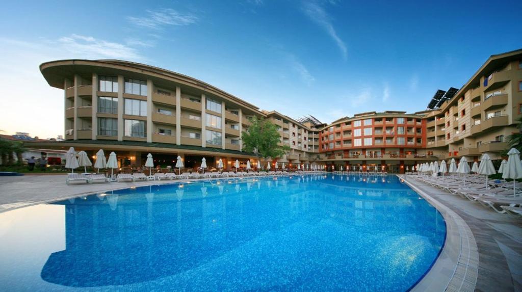 Het zwembad bij of vlak bij Side Star Park Hotel-All Inclusive