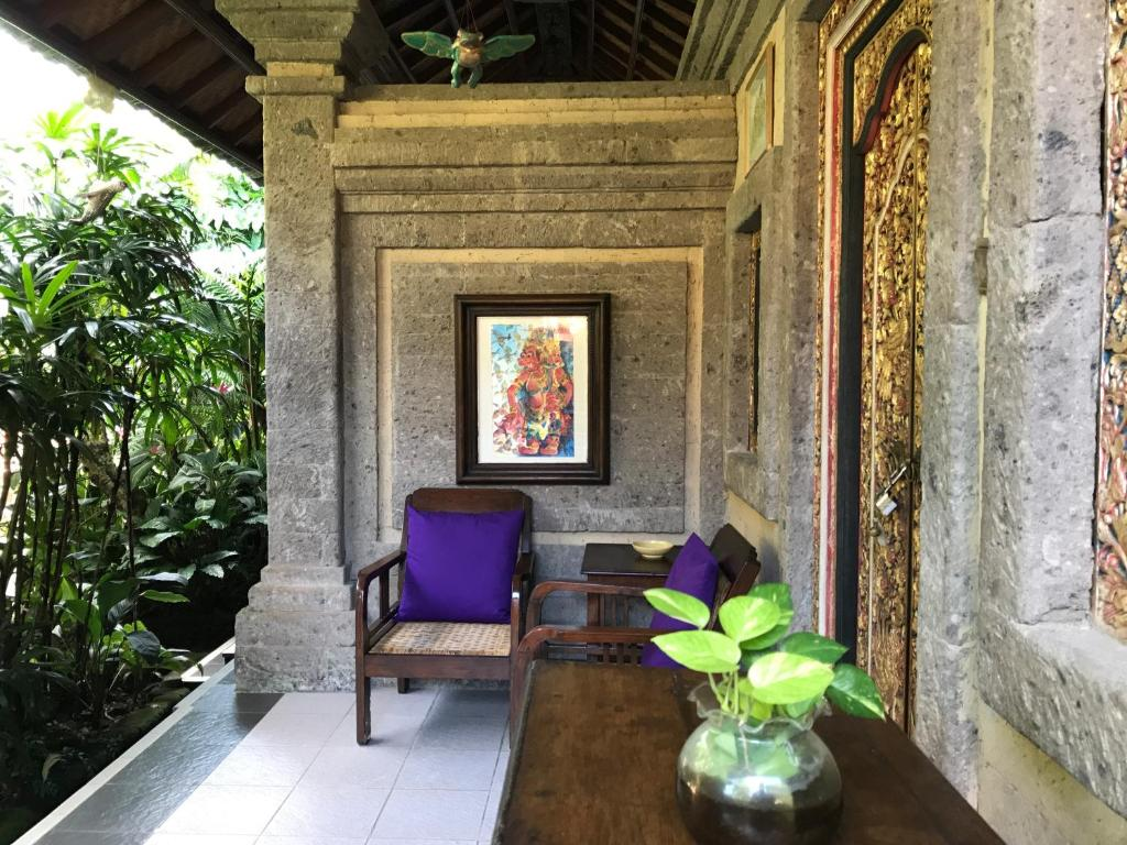 A seating area at Nirvana Pension