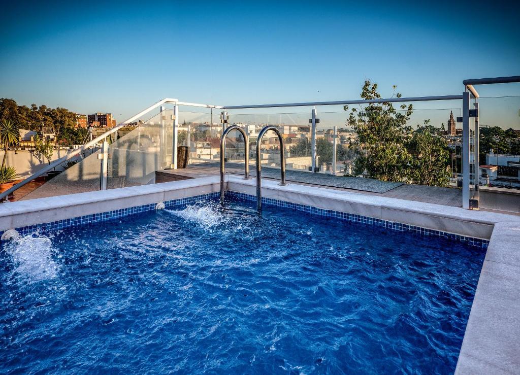 The swimming pool at or near Hotel Plaza Santa Lucía