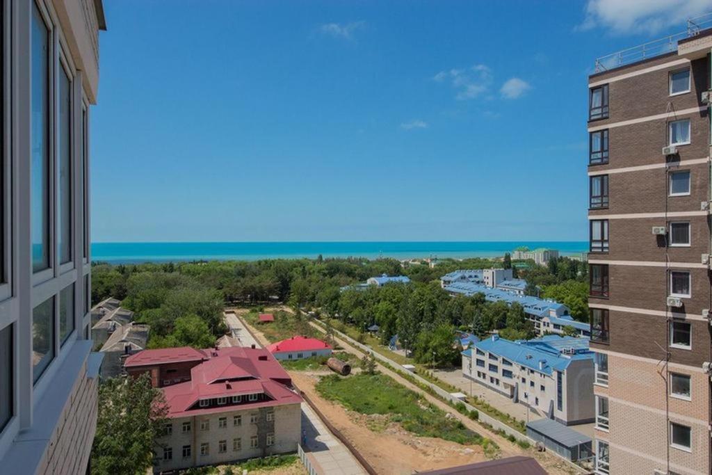 Вид на бассейн в Апартаменты жк Кавказ или окрестностях