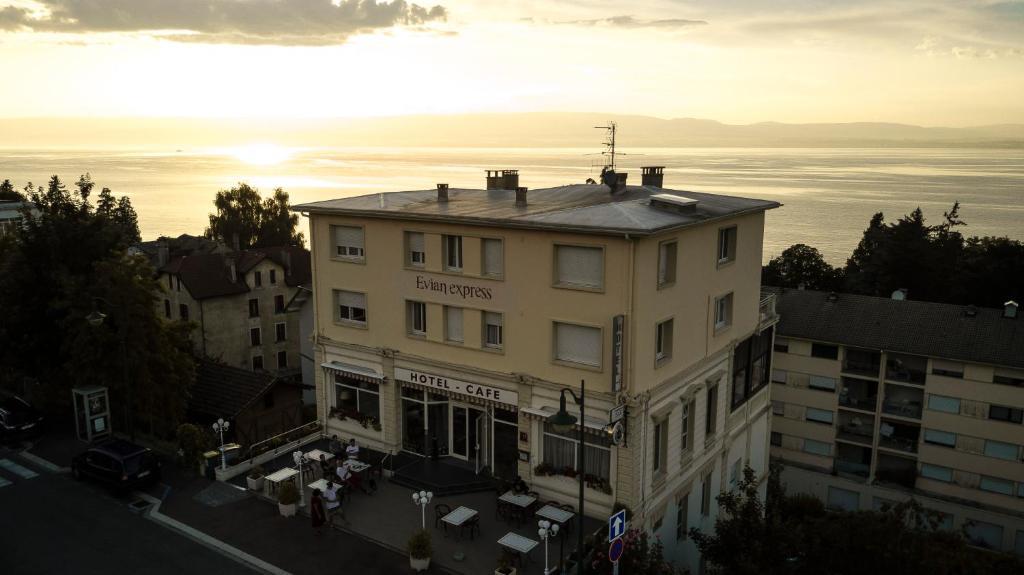 Hotel Evian Express - Terminus Evian-les-Bains, France
