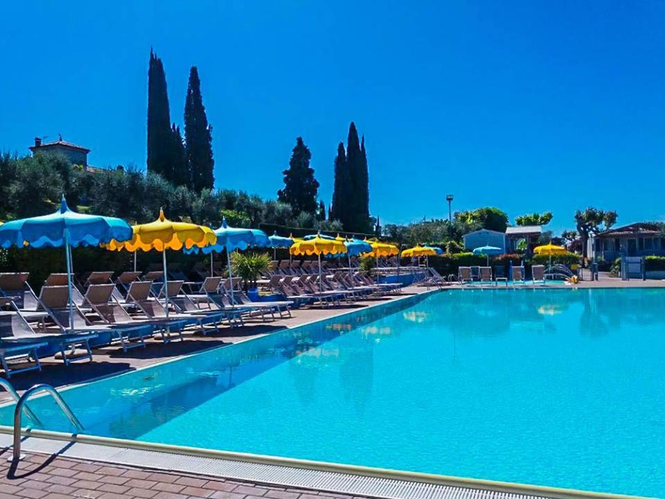 The swimming pool at or near Camping Serenella