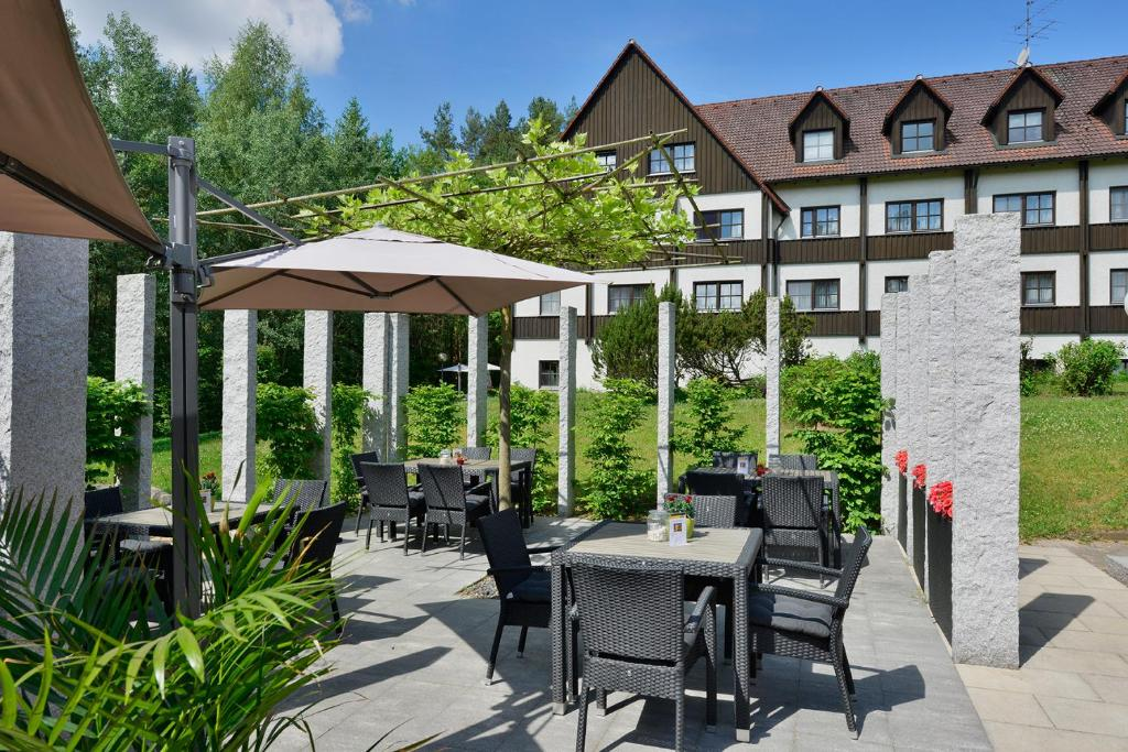 A restaurant or other place to eat at Hotel Sonnenhof