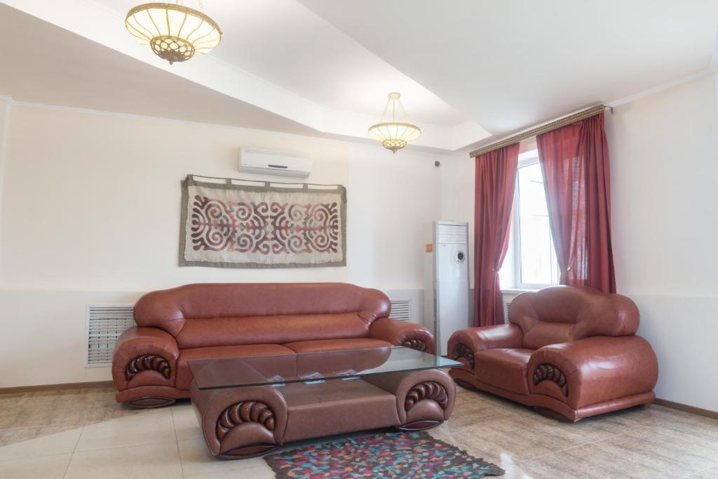 A seating area at Hotel Alma Ata