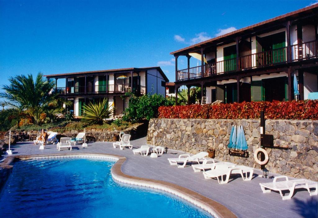 Het zwembad bij of vlak bij Apartamentos Santa Ana - Adults Only