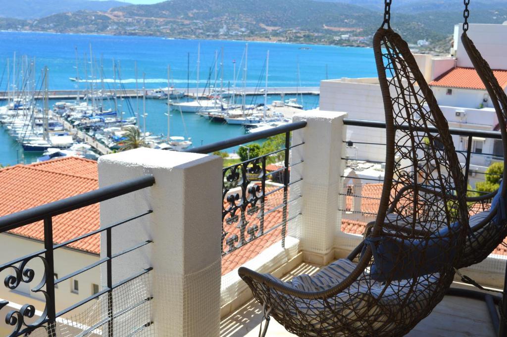 A balcony or terrace at Mantraki Hotel Apartments