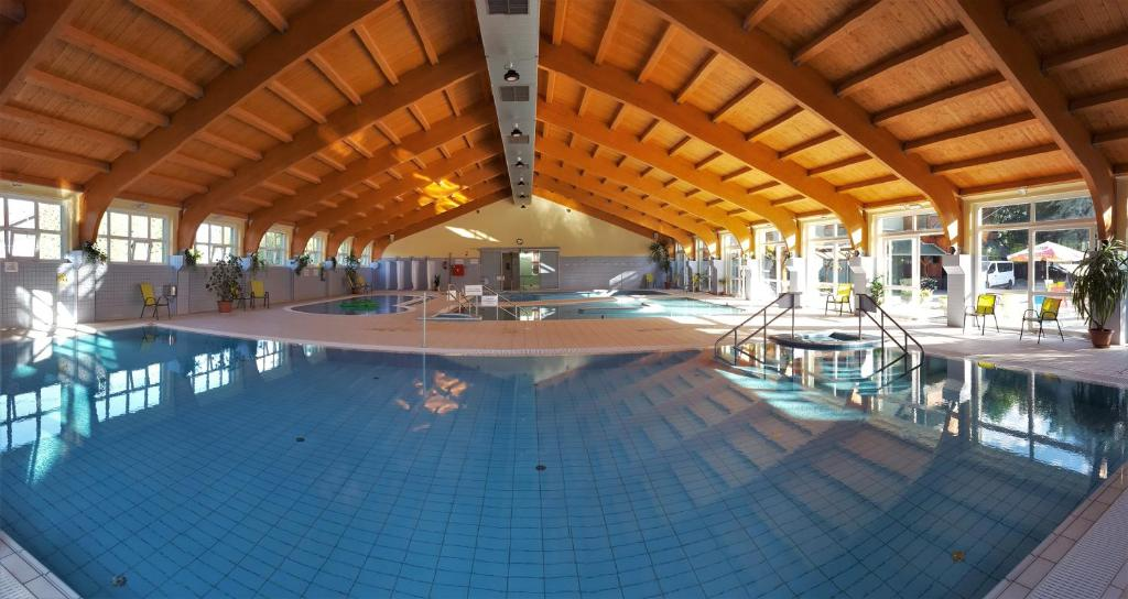 The swimming pool at or close to Hotel Hajnal