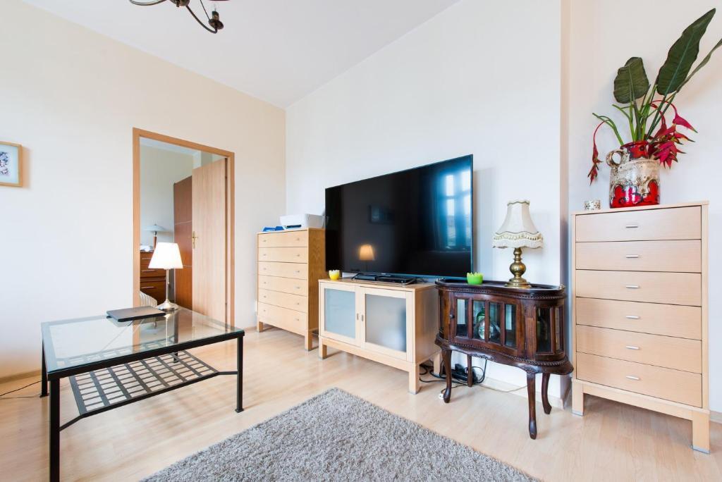 Telewizja i/lub zestaw kina domowego w obiekcie MW Apartamenty - MONTE CASSINO