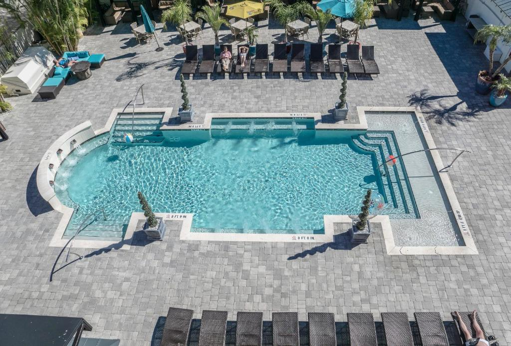 A view of the pool at Hollander Hotel - Downtown St. Petersburg or nearby