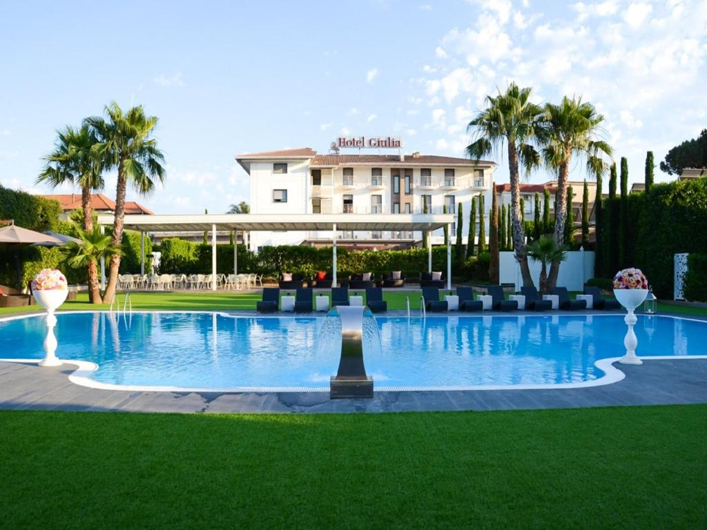 The swimming pool at or close to Hotel Giulia Ocean Club