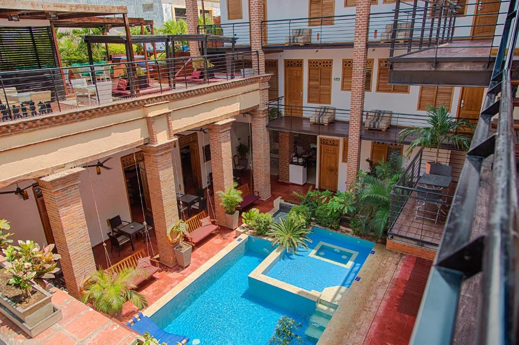 A view of the pool at Hotel Boutique Casa Carolina or nearby