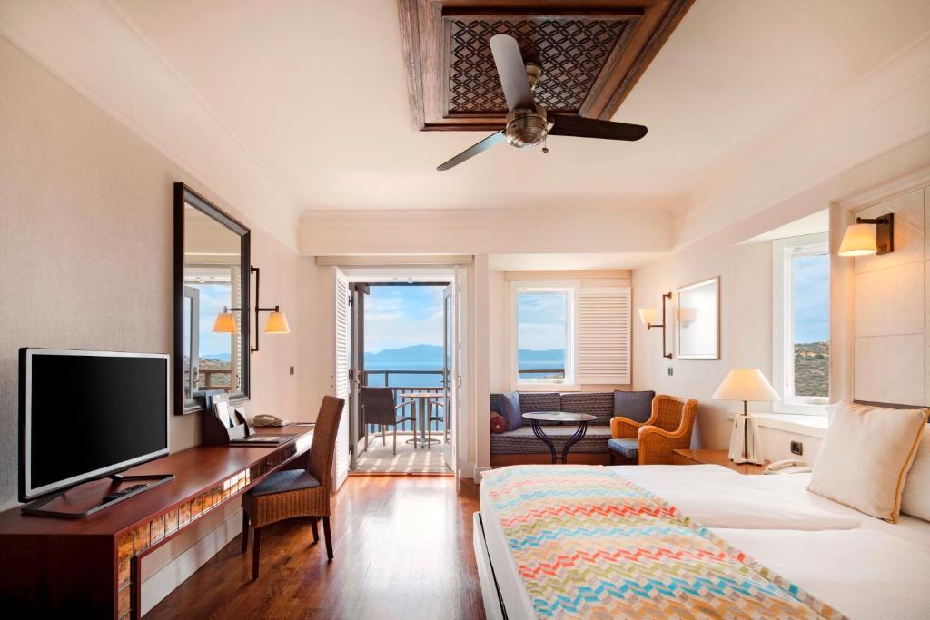 Двомісний номер Гранд Делюкс із панорамним видом на море: фотографія №1