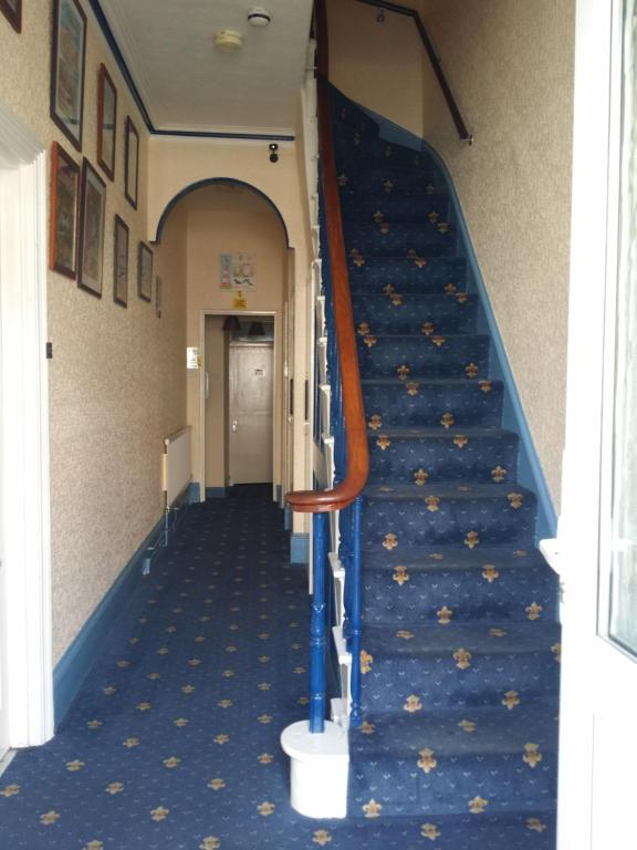 Silverstone House - Laterooms
