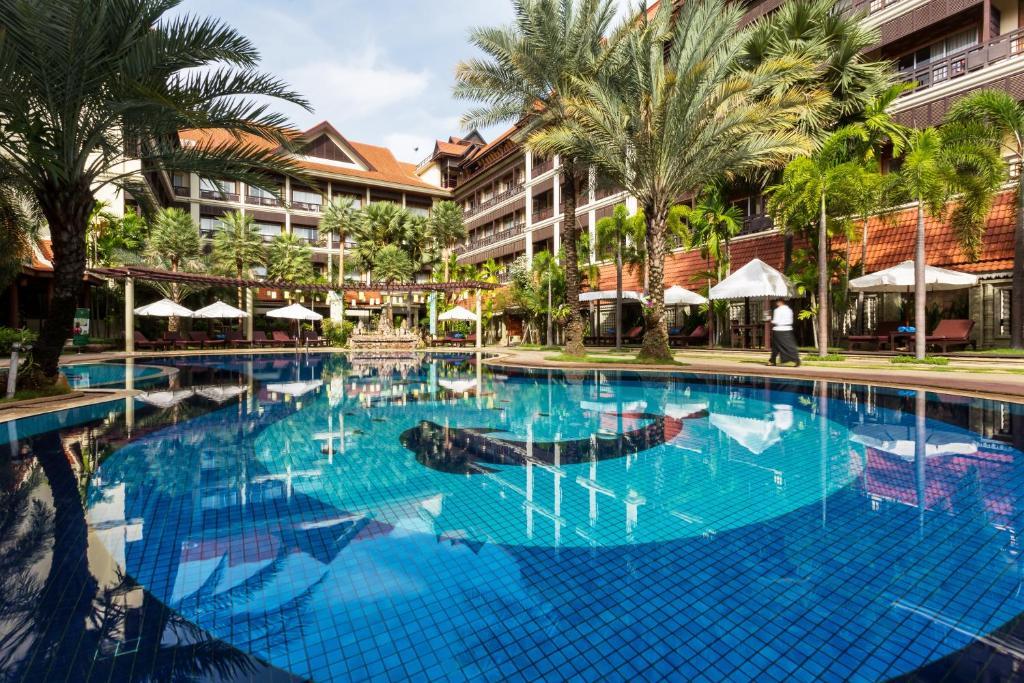 Empress Angkor Resort & Spaの敷地内または近くにあるプール