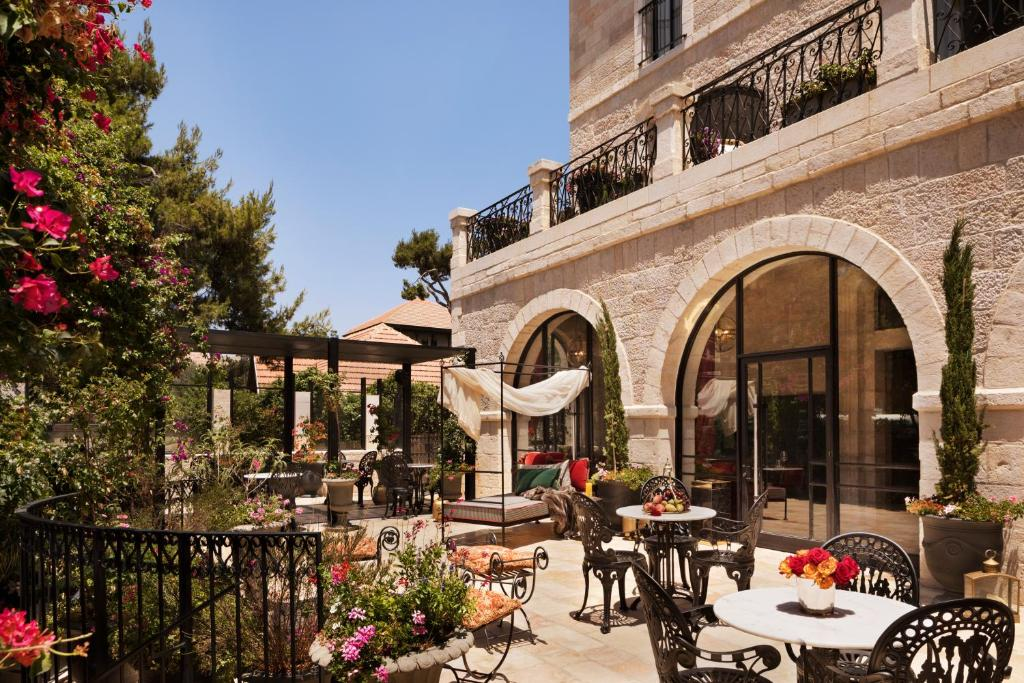 A restaurant or other place to eat at Villa Brown Jerusalem