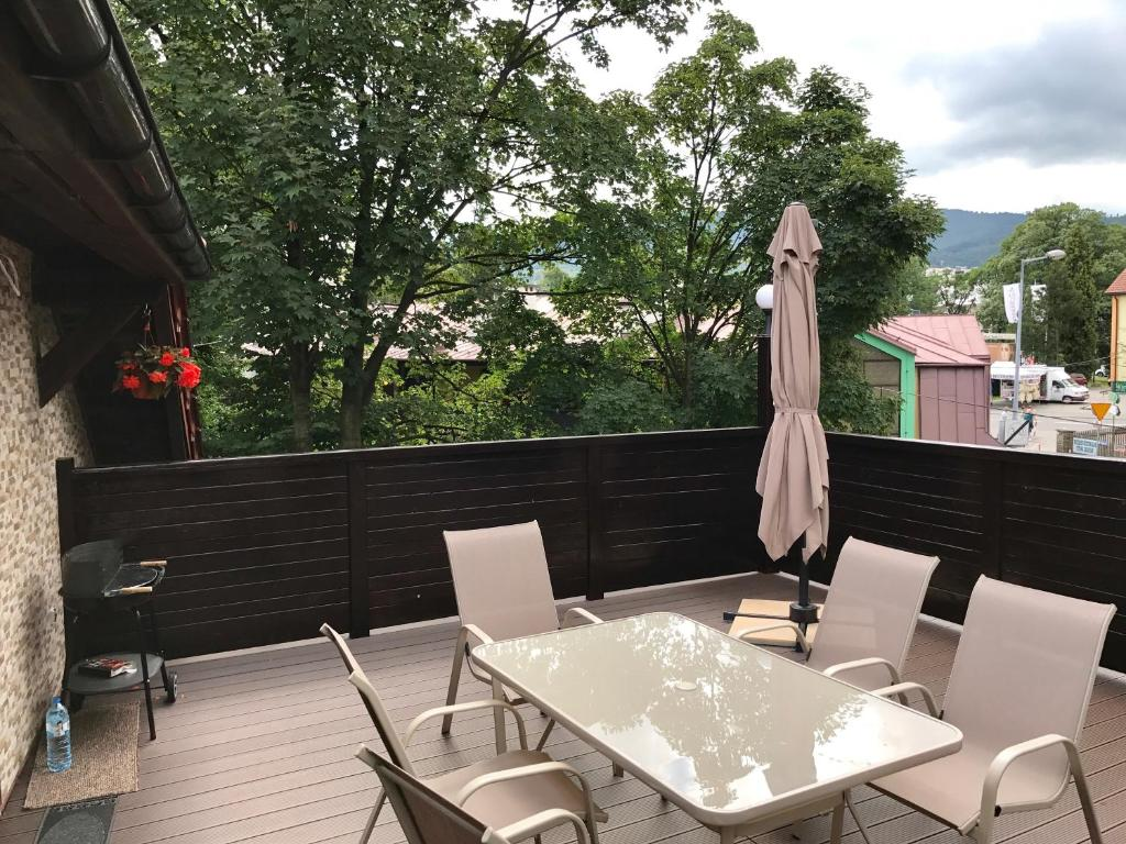 Balkon lub taras w obiekcie Apartament Serce Ustronia