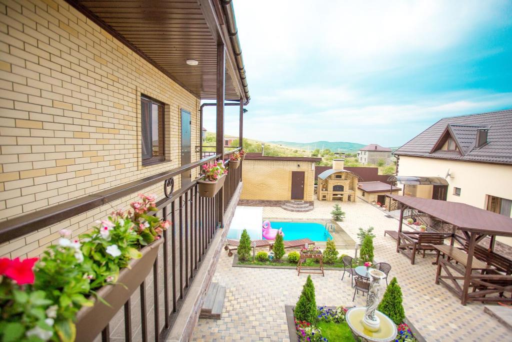 Вид на бассейн в Hotel ZET или окрестностях