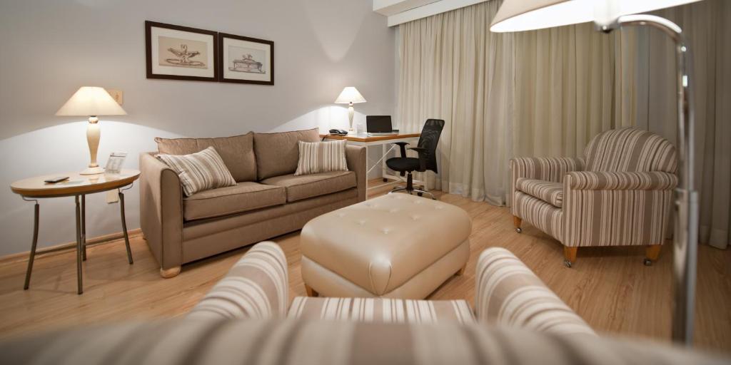 A seating area at HB Hotels Sequóia Alphaville