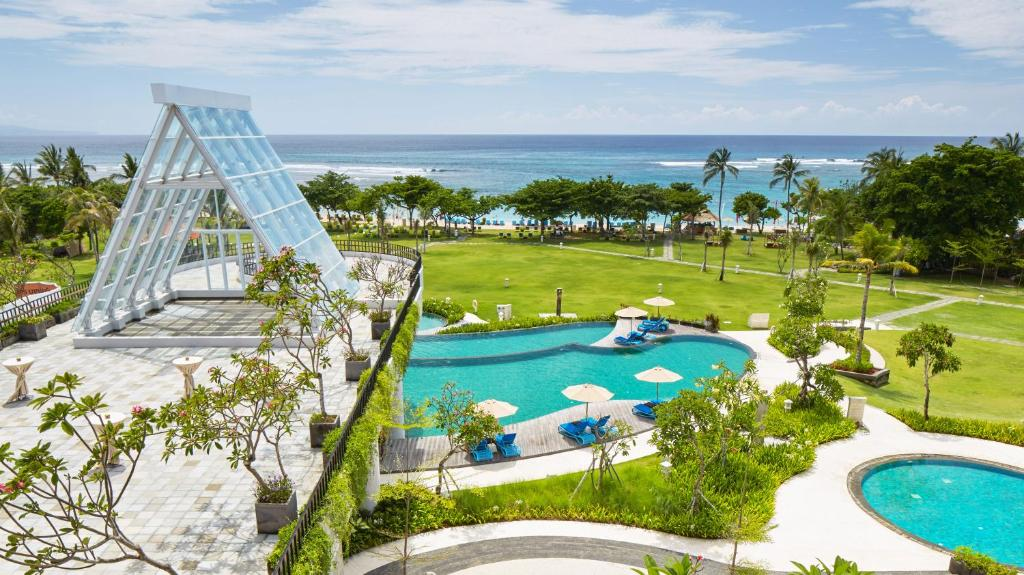 A view of the pool at Merusaka Nusa Dua or nearby