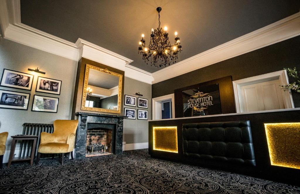 The lobby or reception area at Steventon House Hotel