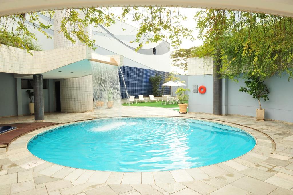 The swimming pool at or near Quality Saint Paul Rio Preto
