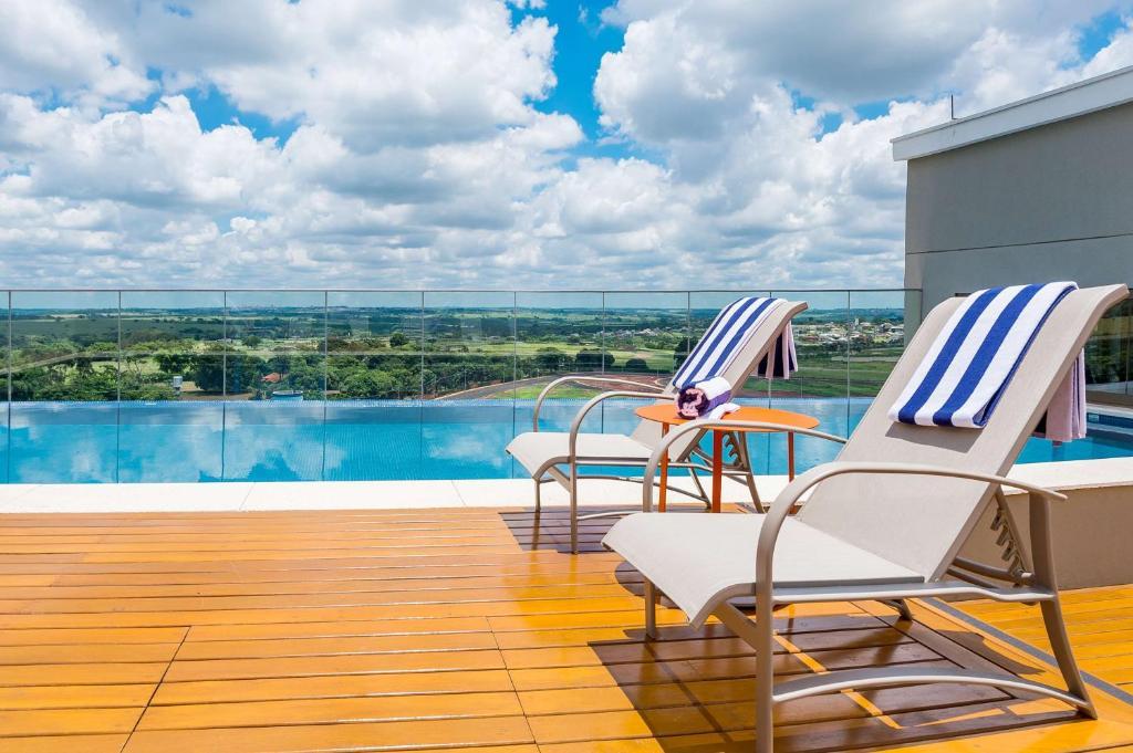 The swimming pool at or near Hyatt Place Sao Jose do Rio Preto