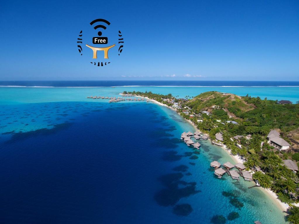 Uma vista aérea de Maitai Bora Bora