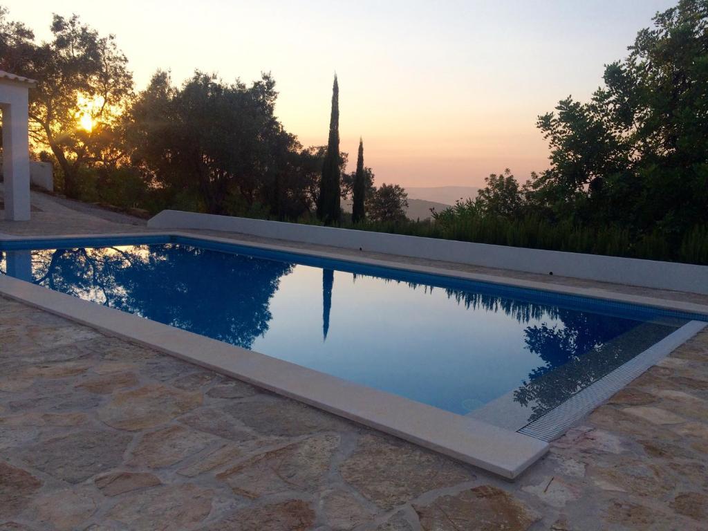 The swimming pool at or near B&B Casa Encantada